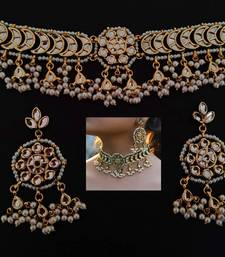 Gold pearl chokers