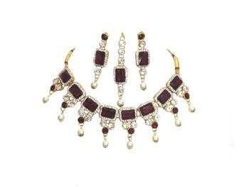 Maroon jewellery