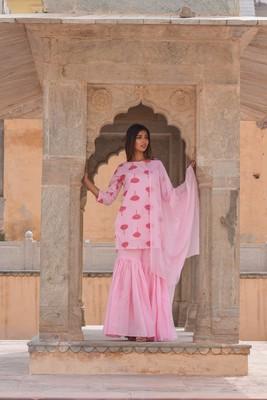 Baby-pink printed cotton kurta sets