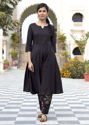 Black plain crepe kurta with trouser