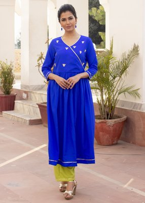 Blue Embroidered Crepe Kurta With Trouser