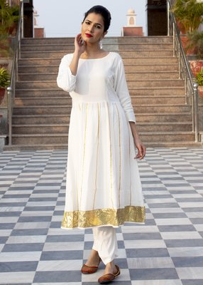 White embroidered crepe kurta and trouser set