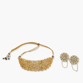 Kundan Choker With Pearls With Matching Studs