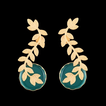 Green Onyx And Gold Stylish Earrings