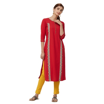 Red embroidered viscose kurti