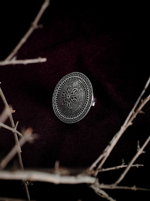 Zerokaata Chandelier Design Inspired Adjustable Oxidized Silver Ring