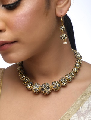 Disco Neckpiece With Earrings Set