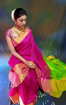 Rani pink hand woven silk saree with blouse