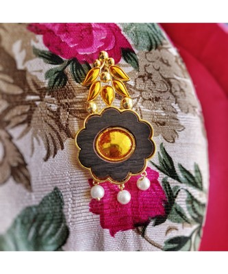Gold palted Kesar brooch with enamel, wood and pearls