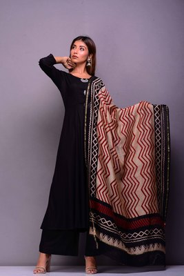 Black plain rayon kurta sets