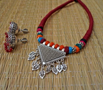 maroon tribal elegant choker set