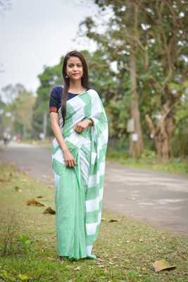 green hand woven Blended cotton saree with blouse