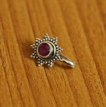 Red Ruby       Nose Ring