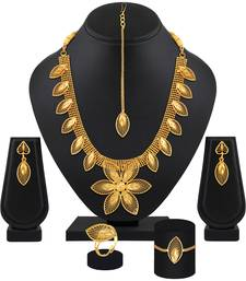 Pretty Leaf Shape Gold Plated Choker Style Necklace Set With Mangtikka For Women