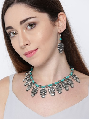 Infuzze Women Oxidised Silver-Toned & Green Jewellery Set