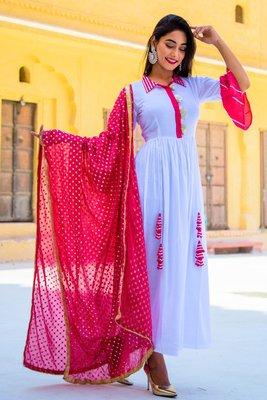 Nadiya white Kurta Set With Cream Dupatta