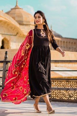 Dusky Black Dress With Pink Dupatta