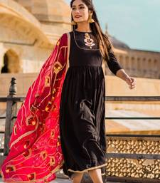 Dusky Black Dress With Pink Dupatta