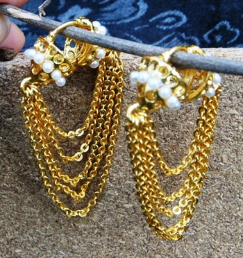 Pearly Bali With Dangling Gold Chains Earrings
