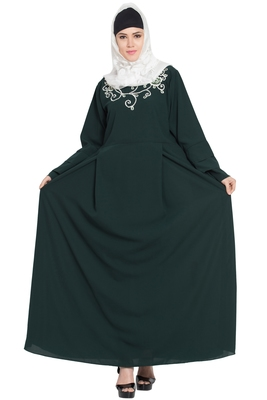 Green embroidered kashibo abaya