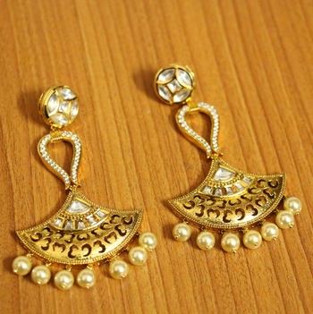 White pearl chandbali