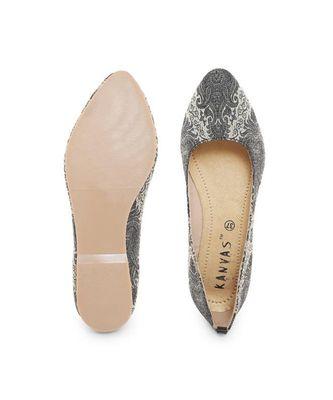 Black solid synthetic ballerinas womens footwear