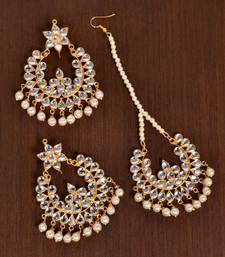 Gold Plated Off-White Pearled Kundan Embellished Dangler Earrings cum Tikka Set