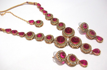 Dark Pink  Color Stone Round Necklace set
