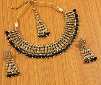 Black Zircon       Necklace Sets