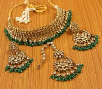 Green zircon necklace sets