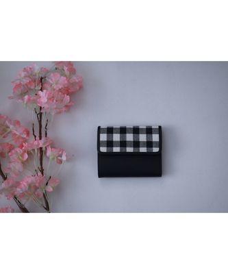 Black checks wallet