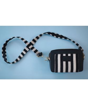 Stripe Statement sling Black