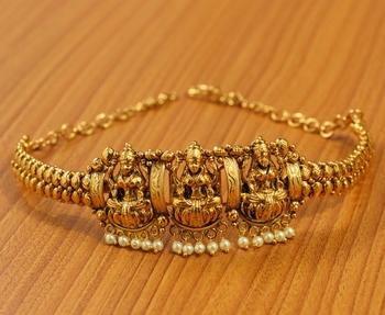 Gold pearl bajuband