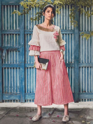 Red Lining Calf Length Pant and Paghoda Sleeve top Combo