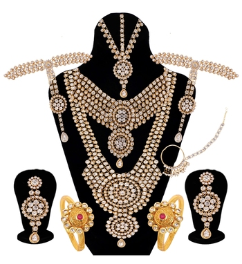 White jewellery bridal set