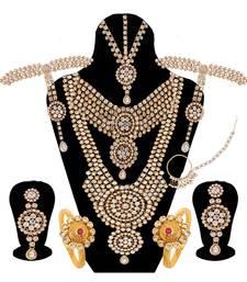 White jewellery bridal set