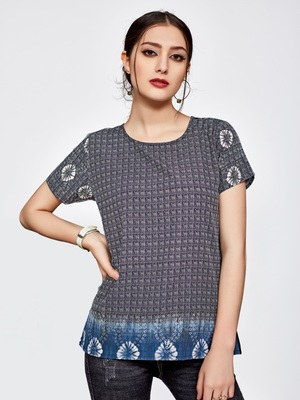 Grey  printed  crepe party top