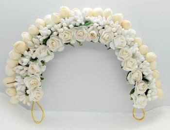 White flower gajra