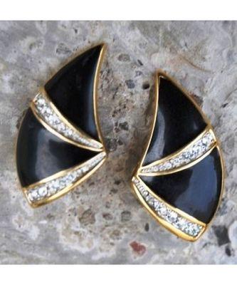 Diamond Embeded Black Stud Earrings