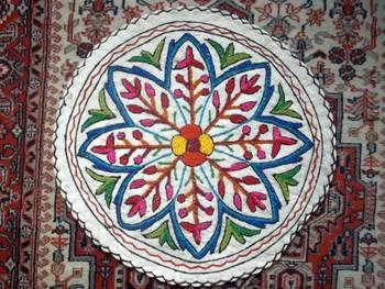 namdha round rug 2 feet