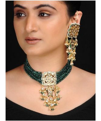 Emerald Kundan Neckpiece With Earrings