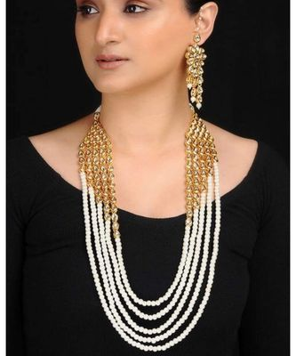 Pearl Neckpiece With Matching Kundan Earrings
