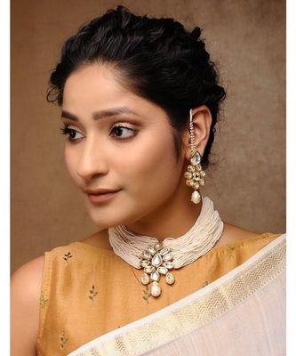 Kundan Choker In Pearl With Earrings