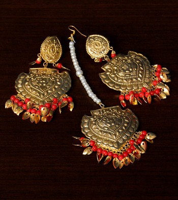 Traditional Look Red Beaded and Leafy Dangler Earrings cum Maang Tikka