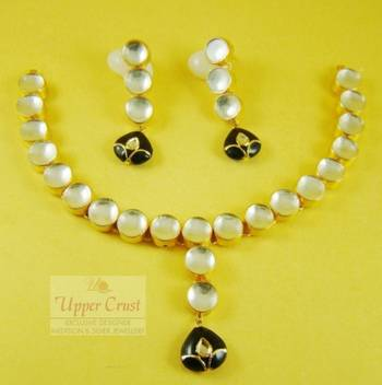 Black Kundan Gold Plated Necklace Uppercrust Jewellery