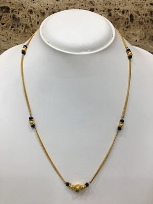 Fashion Antique Round Mani Pendant Mangalsutra Black Beads Single Line Layer Short Chain