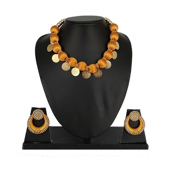 Gold designer-jewellery