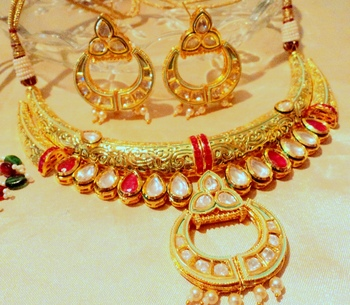 Greenish And Golden Tone Jadau Kundan Necklace Sets