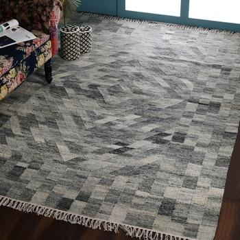 PEQURA Grey Woollen Geometric Patterned Hand Woven Carpet