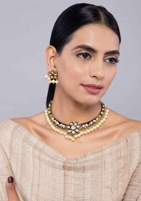 Black Meenakari and Kundan Choker Necklace With Studs